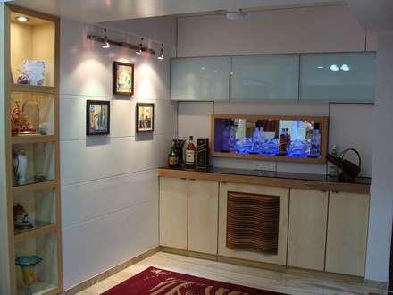 Residence Shivaji Park: modern Kitchen by TRINITY DESIGN STUDIO
