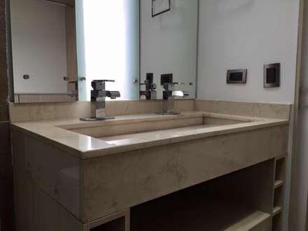 Detalle de lavamanos doble: Baños de estilo moderno por ALSE Taller de Arquitectura y Diseño