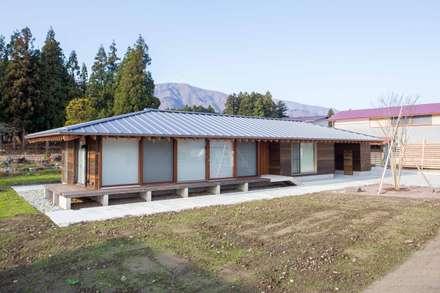西根の家/House in NISHINE: アーキテクチュアランドスケープ一級建築士事務所が手掛けた家です。