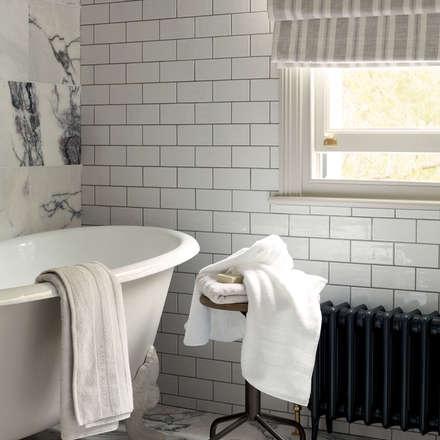 Baño City Dwelling: Baños de estilo industrial de Laura Ashley Decoración