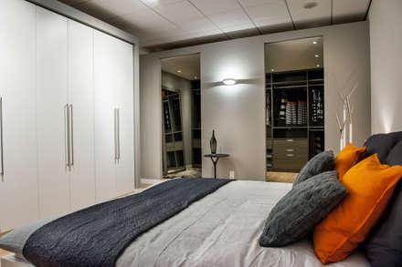 De Jager Interieur | Heemstede: moderne Slaapkamer door De Jager Interieur