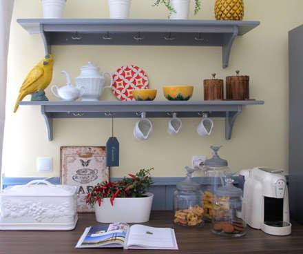 Cozinha : Cozinhas campestres por Rafaela Fraga Brás Design de Interiores & Homestyling