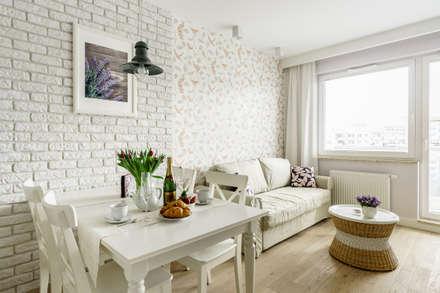Apartament prowansalski – Aviator – Gdańsk : styl , w kategorii Salon zaprojektowany przez Anna Serafin Architektura Wnętrz