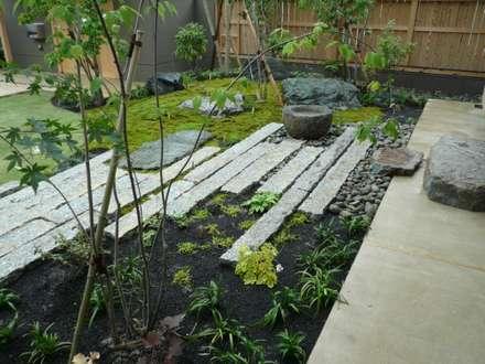 小山の庭 主庭: 鈴木庭苑が手掛けた庭です。