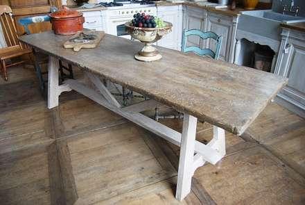 Tavoli: Cucina in stile in stile Rustico di Porte del Passato