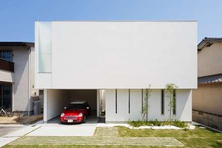 LIGHT  COURT  HOUSE: MITSUTOSHI   OKAMOTO   ARCHITECT   OFFICEが手掛けた家です。