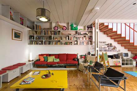 Ph con Parra: Livings de estilo minimalista por Pop Arq
