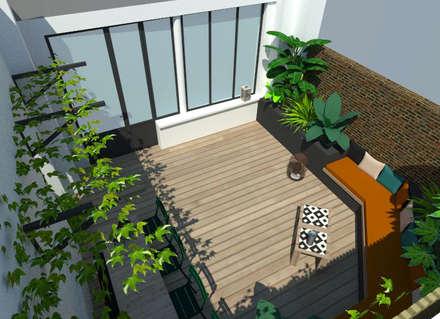 Un patio urbain luxuriant: Jardin de style de style Tropical par Laura Benitta Architecture d'intérieur et création de jardins