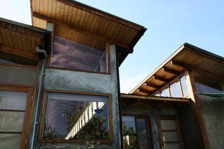 CASA TAU: Casas de estilo rural por ALIWEN arquitectura & construcción sustentable