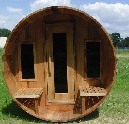 Außensauna Fasssauna: skandinavisches Spa von corso sauna manufaktur gmbh