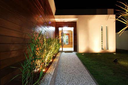 CASA DO FOTOGRAFO: Casas modernas por BRAVIM ◘ RICCI ARQUITETURA
