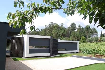 Casa da Vinha: Habitações  por Engebasto - Atividades de Engenharia e Arquitetura, Lda