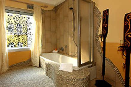 Feng Shui Lounge im Loccumer Hof, Hannover, Details: asiatische Badezimmer von sam nok GmbH