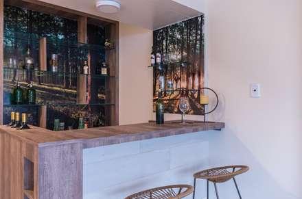 Nuestra Huella : Bodegas de estilo moderno por Xime Russo Interiores