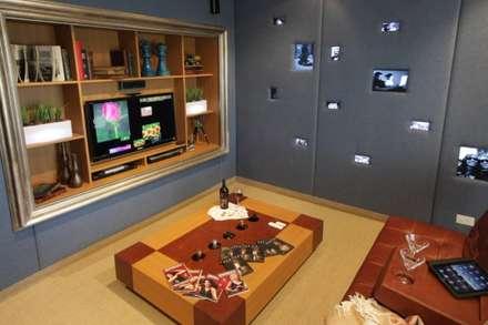 Refugio para la Pareja dentro de una Casa: Bodegas de estilo moderno por Xime Russo Interiores