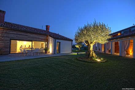 Jardines de estilo rural por VALERI.ZOIA Architetti Associati