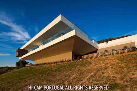 Villa Escarpa: Habitações  por Hi-cam Portugal