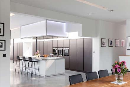 Kitchen: modern Kitchen by 1st Option Representation