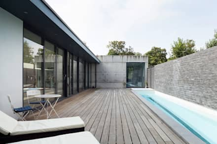 Swimming pool: modern Pool by 1st Option Representation