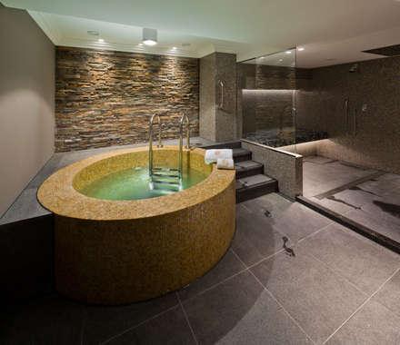 Amstel Hotel - Amsterdam: mediterrane Spa door Spadon Tegelprojecten