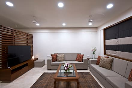 Residence Interiors at Mukundnagar, Pune: modern Living room by Urban Tree