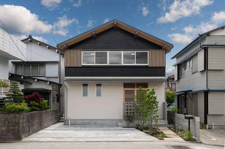 外壁、土佐杉: エニシ建築設計事務所が手掛けた家です。