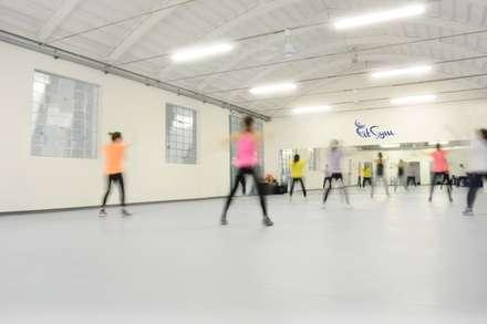 Palestra / da architettura industriale a regno del fitness: Stadi in stile  di LTAB/LAB STUDIO