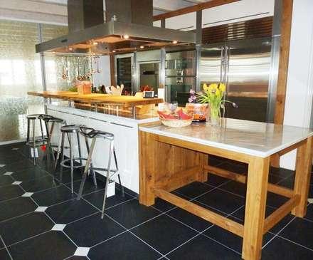 Alles individuell küche landhausstil küche von design manufaktur gmbh