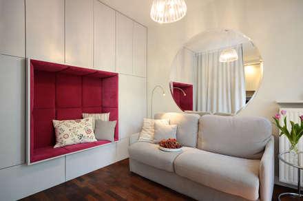All inclusive - salon i sypialnia: styl , w kategorii Salon zaprojektowany przez IDeALS | interior design and living store