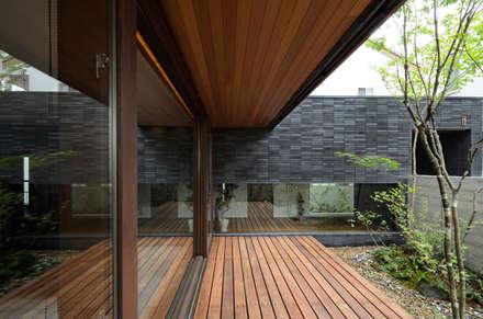 中庭: バウムスタイルアーキテクト一級建築士事務所が手掛けた庭です。