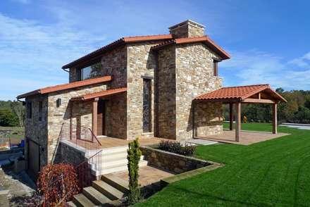 Vivienda en Broño: Casas de estilo rústico de AD+ arquitectura