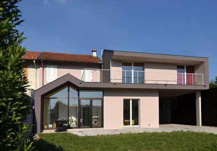 Villa [ARLUNO] - www.marlegno.it - Progetto: Arch. Distaso Rosario - bloomscape architecture - www.bloomscape.org: Case in stile in stile Moderno di Marlegno