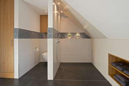 duschbereich im vollbad moderne badezimmer von grid architektur design - Moderne Badezimmer