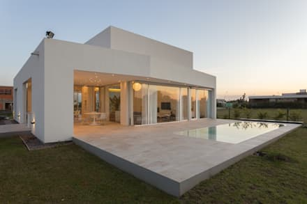 perspectiva de fachada norte casas de estilo minimalista por vismaracorsi arquitectos - Casas Minimalistas