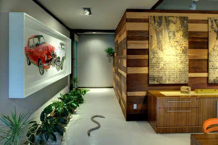 modern Corridor, hallway & stairs by RIMA Arquitectura