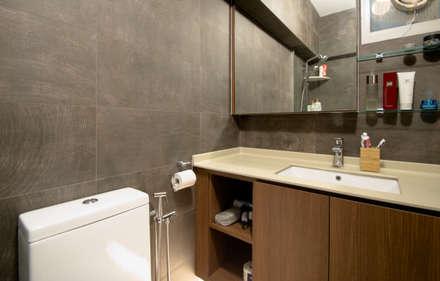 BTO @ Punggolin Hotel Style: modern Bathroom by Designer House