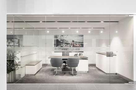 Автосалоны в . Автор – OW ARQUITECTOS I simplicity works | geral@ow-arquitectos.com