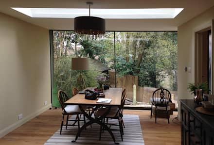 Full Height Glazing & Roof Light in New Dining Room: eclectic Dining room by ArchitectureLIVE