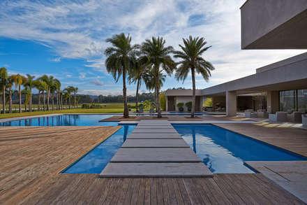 泳池 by Lanza Arquitetos