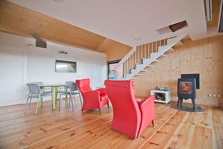 Casa2020: Livings de estilo moderno por MapOut
