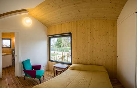 Casa2020: Dormitorios de estilo moderno por MapOut