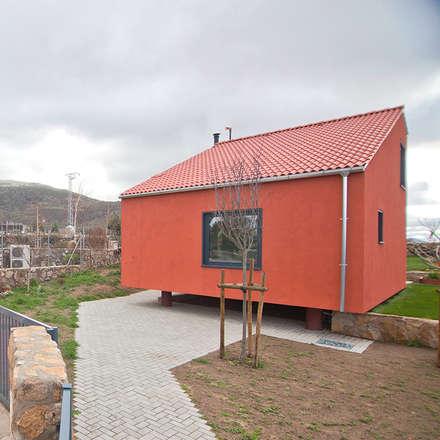 Casa2020: Jardines de estilo moderno de MapOut