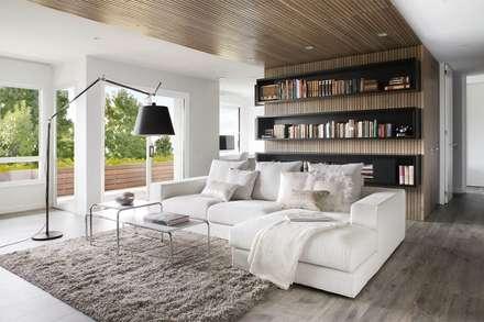 Media Room: minimalistic Media room by GSI Interior Design & Manufacture