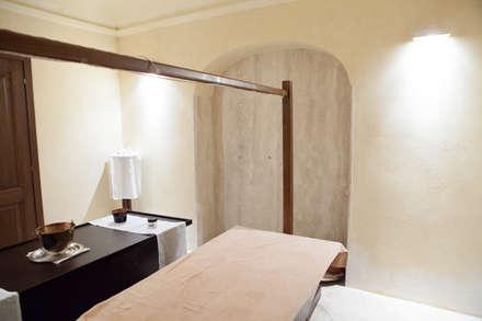 Wellness: Spa in stile in stile Classico di Mondial Marmi SRL