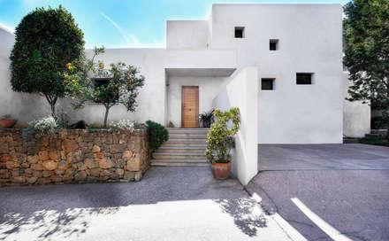 Can Lantana : Casas de estilo moderno de MG&AG.ARQUITECTOS