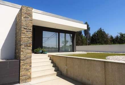 CASA HEITOR: Habitações  por Jesus Correia Arquitecto
