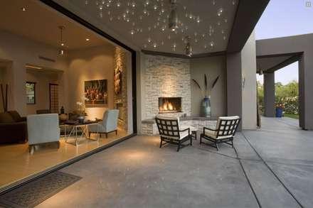Spa de estilo moderno por ROOM EXCLUSIVE GmbH