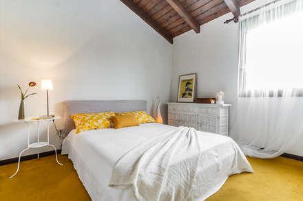 Appartamento in vendita sul Lago Maggiore: Camera da letto in stile in stile Moderno di Boite Maison