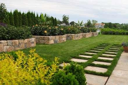 Alentejo: Jardins campestres por ECOSSISTEMAS; Áreas Verdes e Sistemas de Rega.