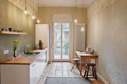 Wohnung Dror: industriale Küche von Birgit Glatzel Architektin